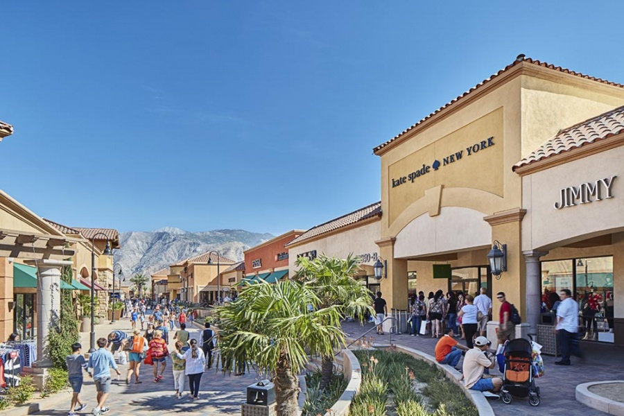 0bf5f5bdd25 Desert Hills Outlets -- Outlet store in Cabazon