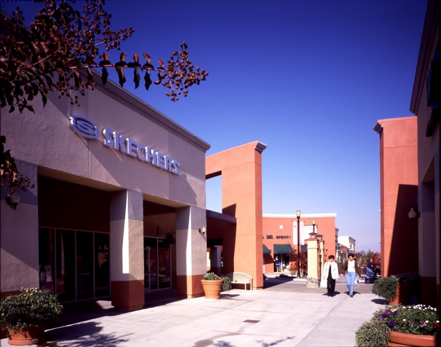 Folsom Premium Outlets -- Outlet store in Folsom